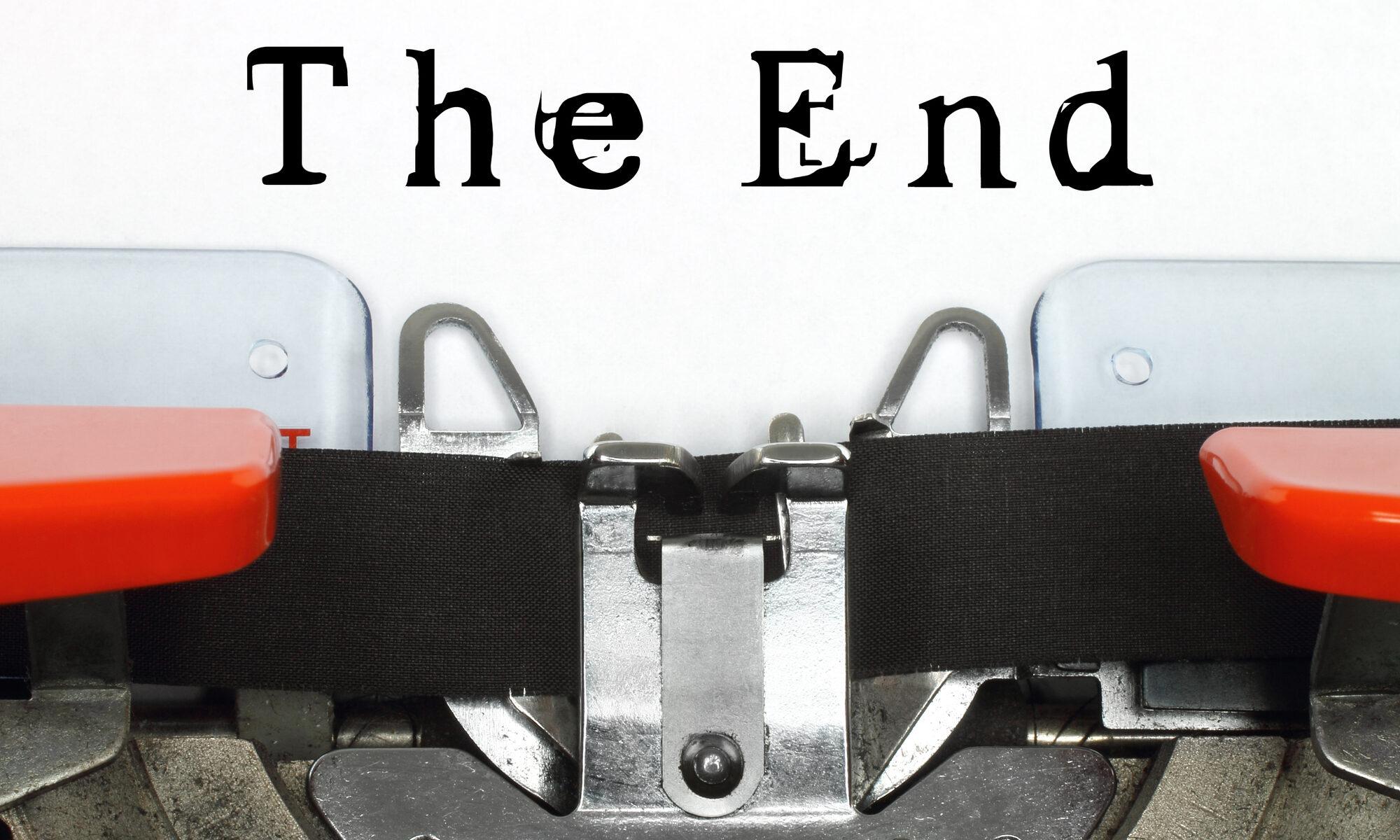 "Schreibmaschinenband mit dem Text ""The End"""