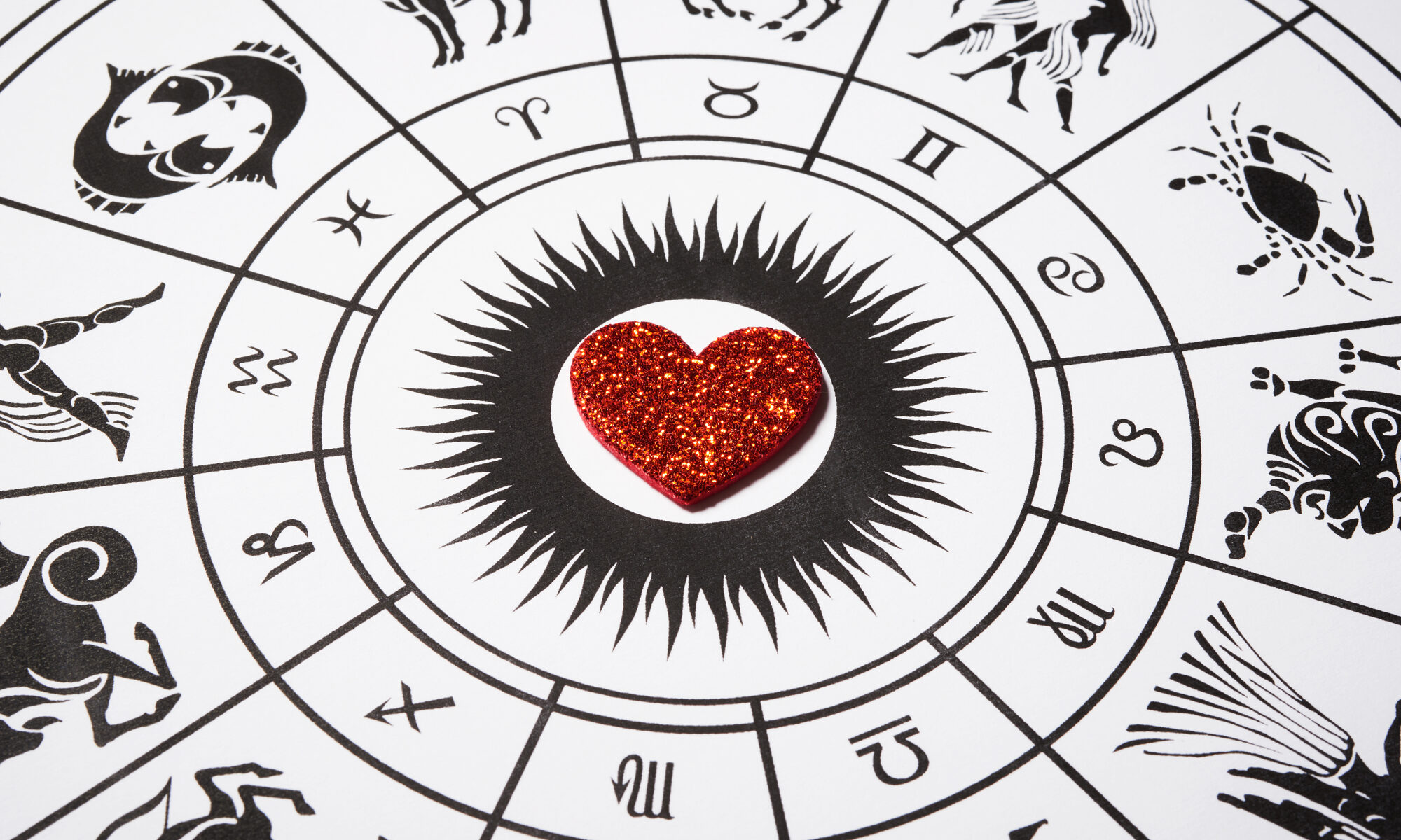 Astronomische Scheibe mit Herz